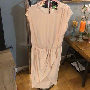 BCBG MAXAZRIA DRESS! Small- blush/tan $30